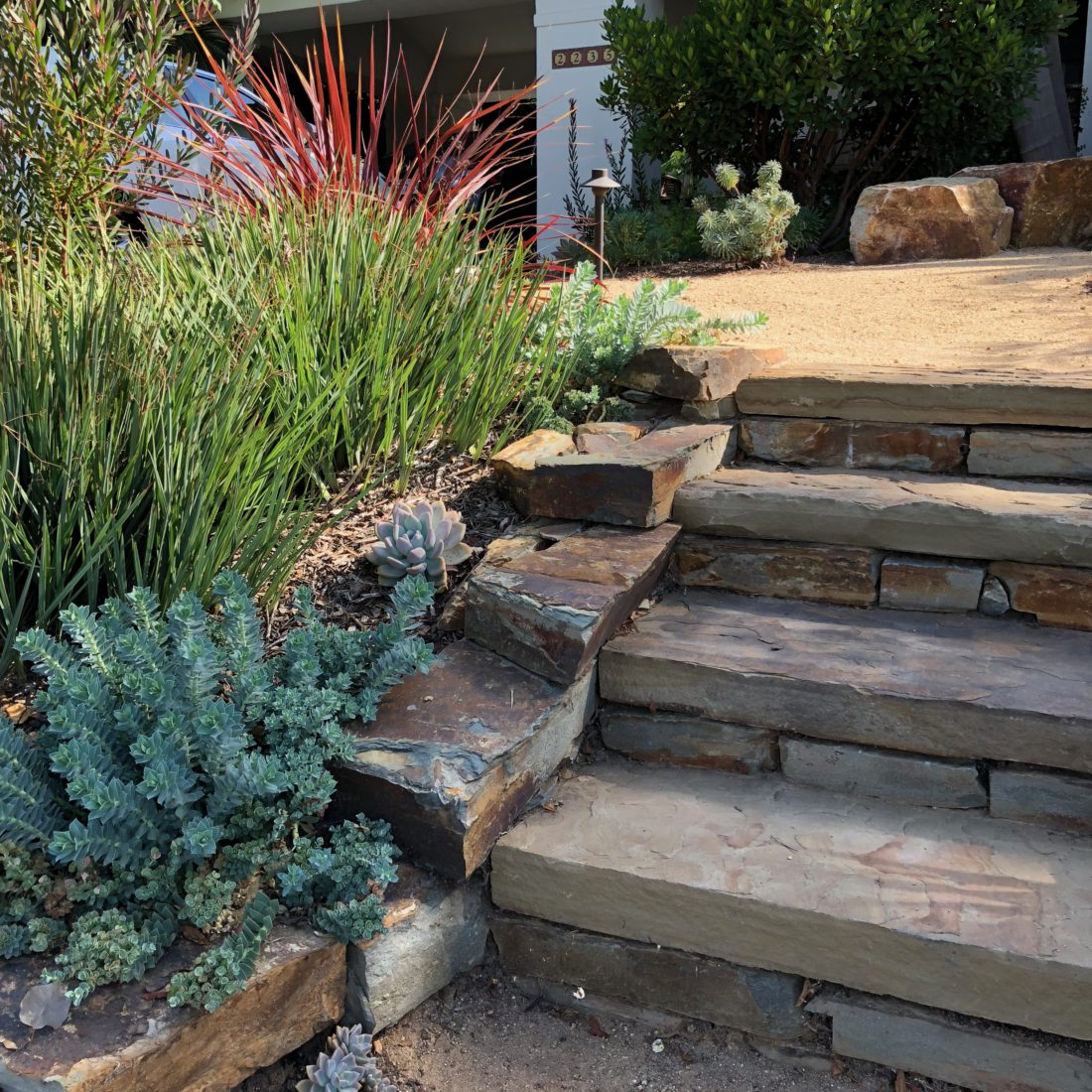 Best Front Garden Designs For Kerb Appeal: Sloping Front With Curb Appeal